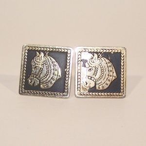 Men's horse cuff links